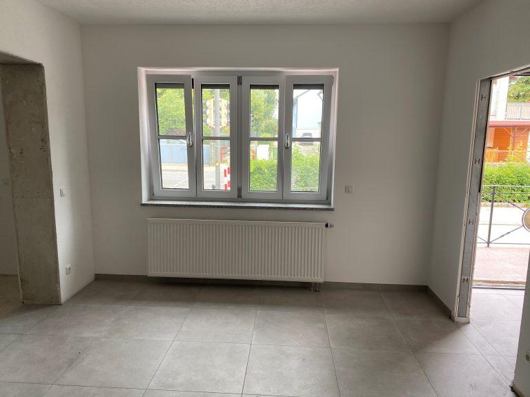Wohnen im Münchner-Umland! Renovierte 1,5-Zimmer-Wohnung in Ortskern-Lage Pliening