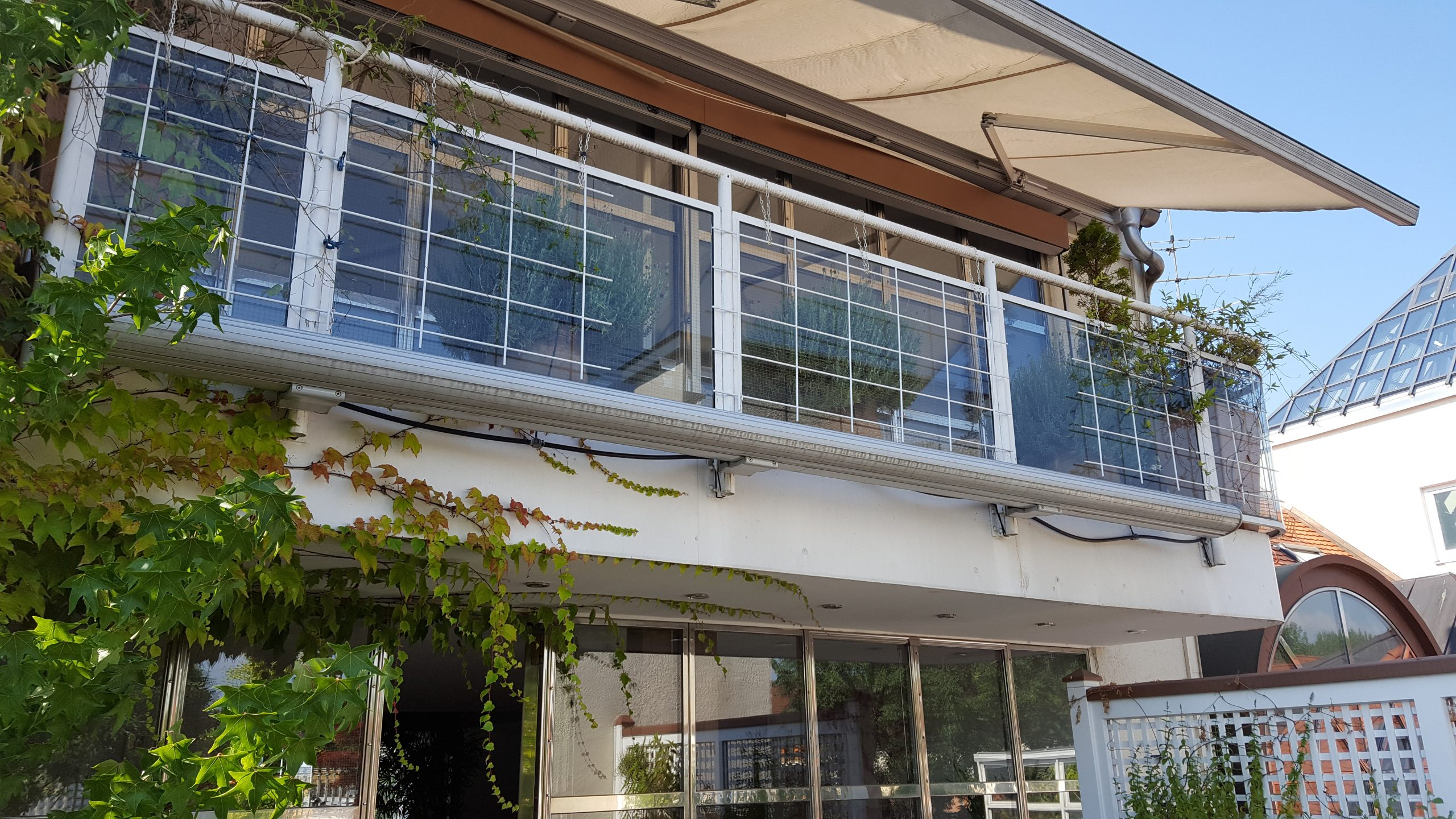 Terrasse_Blick auf Masterbedroom Balkon